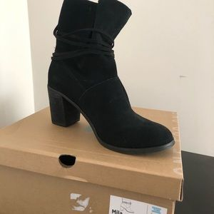 Toms Mila black suede boots